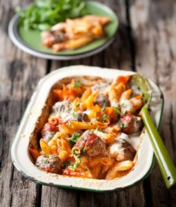 Baked pasta with meatballs